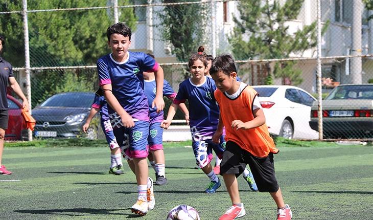 Meram'da çocuklar yaz dönemini sporla geçiriyor