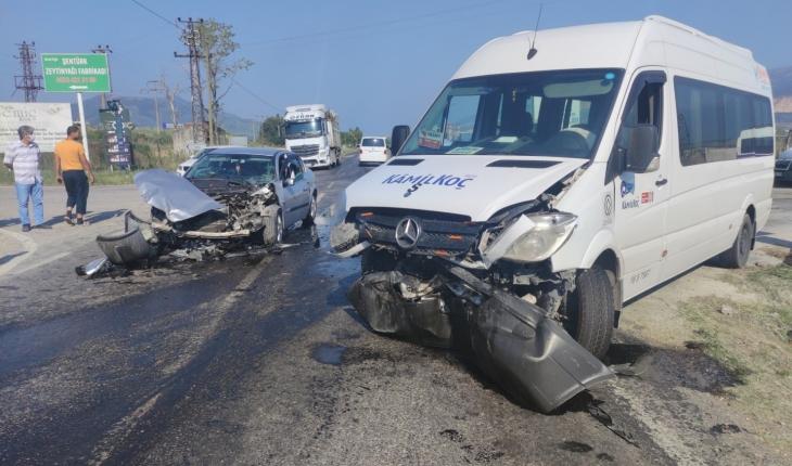Araçlar hurdaya döndü, anne kız yaralandı