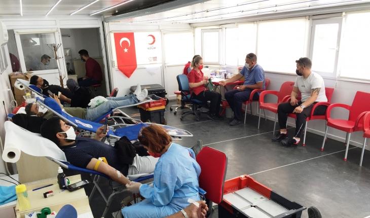 Kulu'da Kızılay ekipleri kan aldı