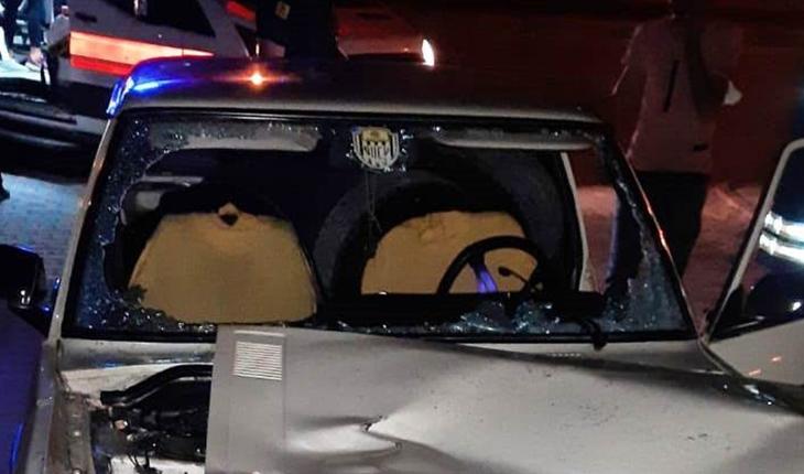 Kontrolden çıkan otomobil refüje çarptı: 1 yaralı