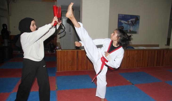 Konyalı tekvandocu, Türkiye Yıldızlar Tekvando Şampiyonası'nda beğeni topladı
