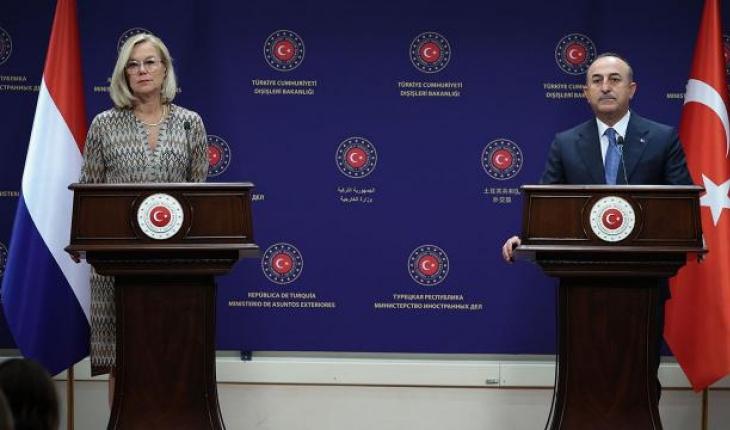 Bakan Çavuşoğlu, Hollandalı mevkidaşı ile görüştü