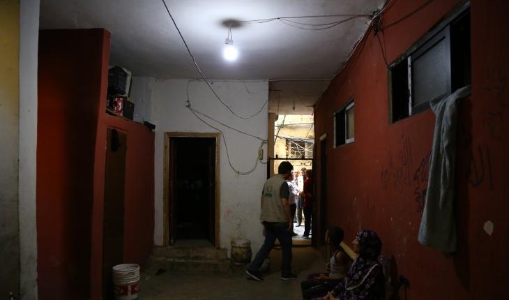 Lübnan'daki Filistinli mültecilerin ışığını Konya'daki hayırseverler yakıyor