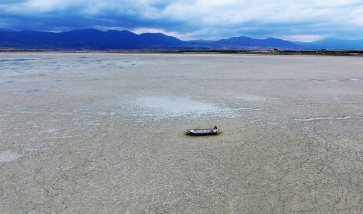 Göller Yöresi'ndeki Karataş Gölü kurudu