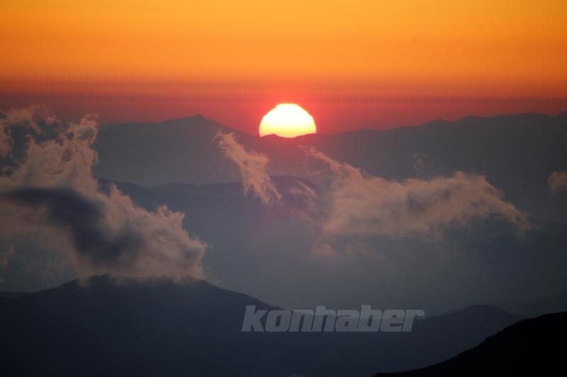 Bolkar Dağları'nda gün doğumu