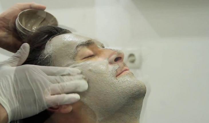 Bilinçsiz yapılan yüz maskeleri cilt sağlığını tehdit ediyor